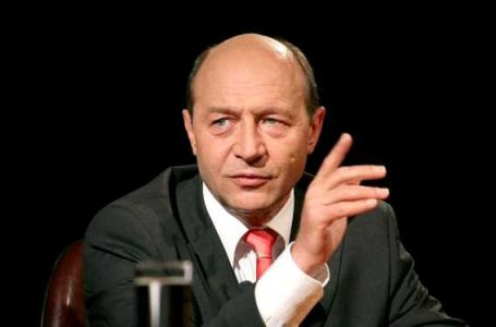 "Traian Basescu a vorbit despre politia din Caracal. ""Ori erau complici cu el sau primeau din cand in cand parte din banii de la taximetrie, ori primeau din cand in cand o fetita"""